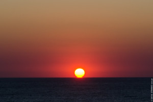 Солнце село в лужу