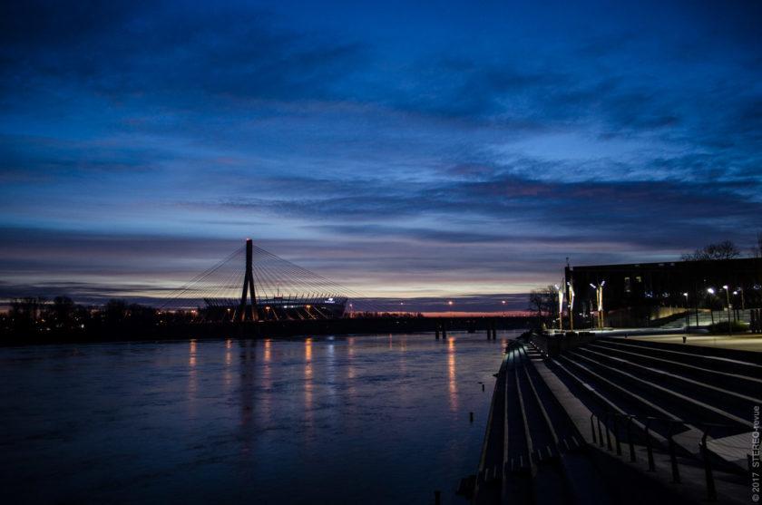 most Świętokrzyski - знаковая отметка ландшафта Варшавы