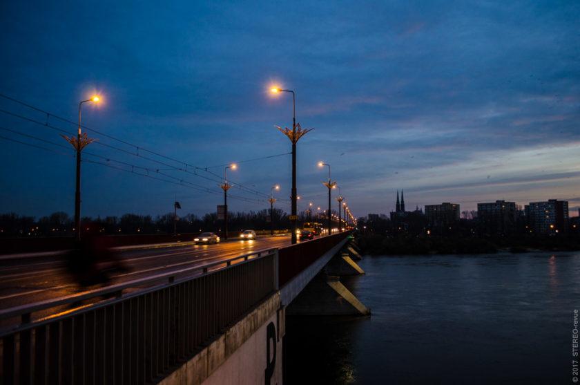 Трамвайный мост - Шланско-Данбровский. На том берегу виднеется один из многочисленных костёлов.