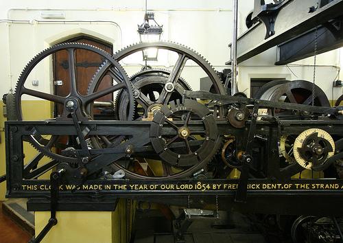 Механизм, приводящий в действие молот колокола Биг-Бен